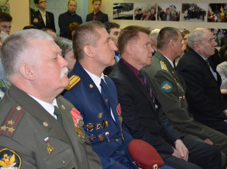 Сотрудники УФСИН России по Псковской области провели урок мужества, посвященный памяти погибших в чеченской компании